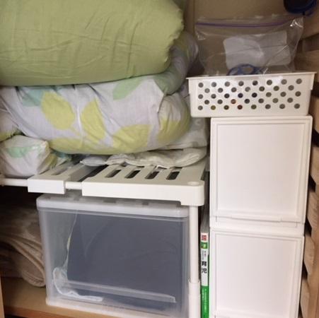 ニトリの押し入れ整理棚、収納ケースを使って布団収納を整理