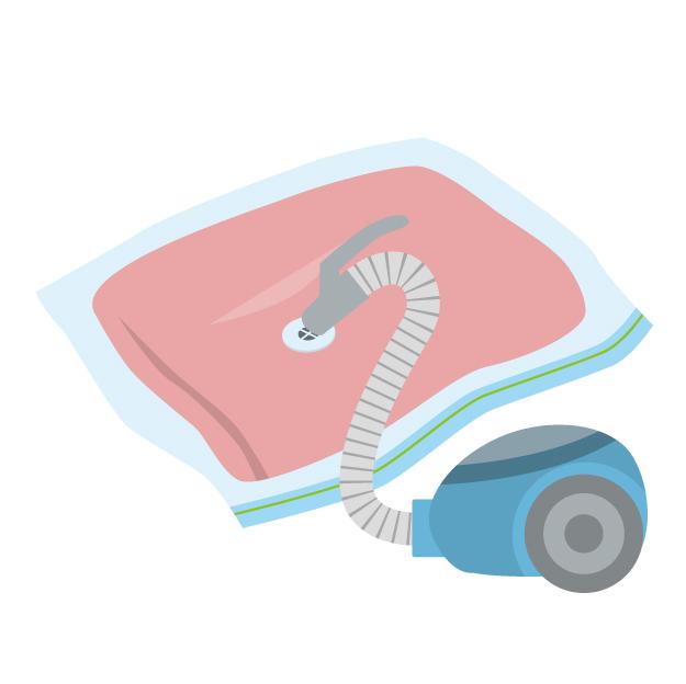 衣類の圧縮袋(吊るすタイプ)でクローゼット収納が断然スッキリ。使わない冬物におすすめ